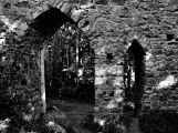 zřícenina hradu Valdek - hradní brána (1)