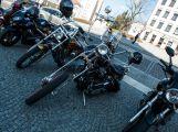 Motorkářům při spanilé jízdě mávaly stovky diváků (14)