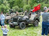 Stovky lidí si u Památníku Vítězství připomněly poslední bitvu 2. světové války (13)