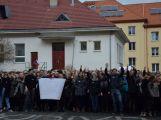 """Studenti příbramských škol se připojili ke stávce a """"Vyšli ven"""" (12)"""