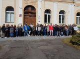 """Studenti příbramských škol se připojili ke stávce a """"Vyšli ven"""" (2)"""