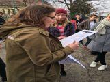 """Studenti příbramských škol se připojili ke stávce a """"Vyšli ven"""" (23)"""