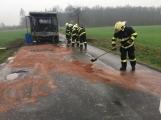 Aktuálně: Plameny zachvátily autobus ()