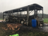 Aktuálně: Plameny zachvátily autobus (13)