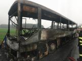 Požár autobusu u Tochovic pohledem hasičů po příjezdu na místo události (12)