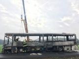 Požár autobusu u Tochovic pohledem hasičů po příjezdu na místo události (6)