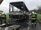 Požár autobusu u Tochovic pohledem hasičů po příjezdu na místo události (4)
