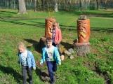 Školy a školky vyrážejí do přírody, zastihli jsme prvňáčky ze Základní školy 28. října ()