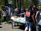 Z Vacíkova se vydali turisté již na 6. pochod na Petráškovu horu (38)