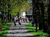 Z Vacíkova se vydali turisté již na 6. pochod na Petráškovu horu (33)