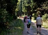 Z Vacíkova se vydali turisté již na 6. pochod na Petráškovu horu (52)