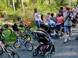 Z Vacíkova se vydali turisté již na 6. pochod na Petráškovu horu (48)