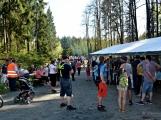 Z Vacíkova se vydali turisté již na 6. pochod na Petráškovu horu (21)