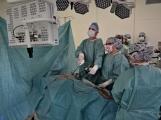 V Příbrami se provádí unikátní urologické operace, byli jsme při tom, račte s námi vstoupit na operační sál (45)