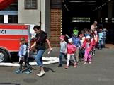 Hasičskou zbrojnici ovládly děti (6)