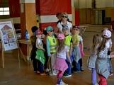 Hasičskou zbrojnici ovládly děti (10)