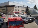 Aktuálně: Únik čpavku povolal hasiče na zimní stadion (13)