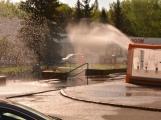Aktuálně: Únik čpavku povolal hasiče na zimní stadion (20)