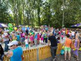 Na otevření Rákosníčkova hřiště přišly stovky lidí (8)