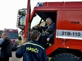 Na Příbramsku v sobotu soutěžili hasiči a v Dolních Hbitech dostali zbrusu novou Tatru (17)