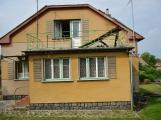 Blesk zapříčinil požár rodinného domu na Příbramsku, škoda je půl milionu korun (2)