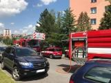 V tuto chvíli: Hasiči zasahují u nahlášeného požáru bytu v Příbrami (3)