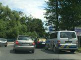 Na Flusárně se srazila dvě auta, naštěstí bez zranění ()