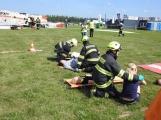 Cvičení: Záchranné složky vyprošťují v Dlouhé Lhotě zraněné z havarovaného letadla (3)