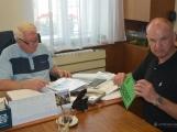 Hasiči z Rožmitálu pod Třemšínem převzali nové vozidlo (9)