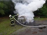Hasiči zasahovali u požáru osobního vozidla (5)