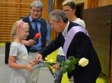 Loučení s Janem Pechlákem, ředitelem základní školy na Březových Horách, se neobešlo bez slz. Dojemné rozloučení přichystal pro svého nadřízeného pedagogický sbor i žáci (11)