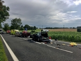Aktuálně: Hromadná dopravní nehoda zastavila provoz na Strakonické. Z místa je hlášen větší počet zraněných (9)