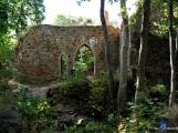 Zajímavá místa v Chráněné krajinné oblasti Brdy: zřícenina hradu Valdek (10)