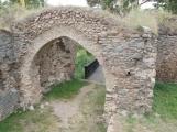 Duch krutého rytíře Hunce obývá okolí zříceniny dodnes (1)