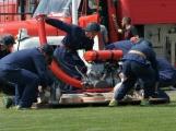 Přijít fandit na hasičskou soutěž se opravdu vyplatí, důvod je prostý. Mezi hasiči se pohybuje i spousta vnadných hasiček (31)