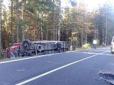 Za Věšínem došlo k vážné nehodě, přistává zde vrtulník (1)