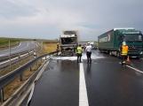 AKTUÁLNĚ: Požár kamionu zastavil provoz na D4 (9)