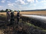 Aktuálně: Mimořádné nasazení hasičů si momentálně vyžádala likvidace požáru pole na Rožmitálsku (30)