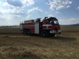 Aktuálně: Mimořádné nasazení hasičů si momentálně vyžádala likvidace požáru pole na Rožmitálsku (24)