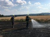 Aktuálně: Mimořádné nasazení hasičů si momentálně vyžádala likvidace požáru pole na Rožmitálsku (37)