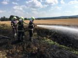 Aktuálně: Mimořádné nasazení hasičů si momentálně vyžádala likvidace požáru pole na Rožmitálsku (23)