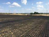 Aktuálně: Mimořádné nasazení hasičů si momentálně vyžádala likvidace požáru pole na Rožmitálsku (9)