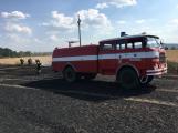Aktuálně: Mimořádné nasazení hasičů si momentálně vyžádala likvidace požáru pole na Rožmitálsku (8)