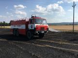 Aktuálně: Mimořádné nasazení hasičů si momentálně vyžádala likvidace požáru pole na Rožmitálsku (7)