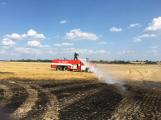 Aktuálně: Mimořádné nasazení hasičů si momentálně vyžádala likvidace požáru pole na Rožmitálsku (6)