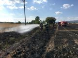 Aktuálně: Mimořádné nasazení hasičů si momentálně vyžádala likvidace požáru pole na Rožmitálsku (4)