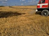 Aktuálně: Mimořádné nasazení hasičů si momentálně vyžádala likvidace požáru pole na Rožmitálsku (12)