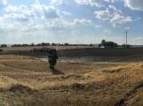 Aktuálně: Mimořádné nasazení hasičů si momentálně vyžádala likvidace požáru pole na Rožmitálsku (16)