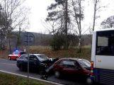 Mezi Oborami a Dublovicemi se srazily dva vozy a autobus (6)