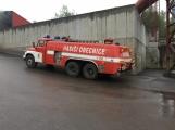 AKTUÁLNĚ: V příbramských Kovohutích hoří, na místě zasahuje několik hasičských jednotek (27)
